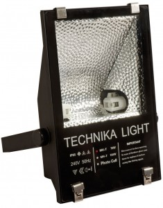 70W Metal Halide Floodlight with Photocell